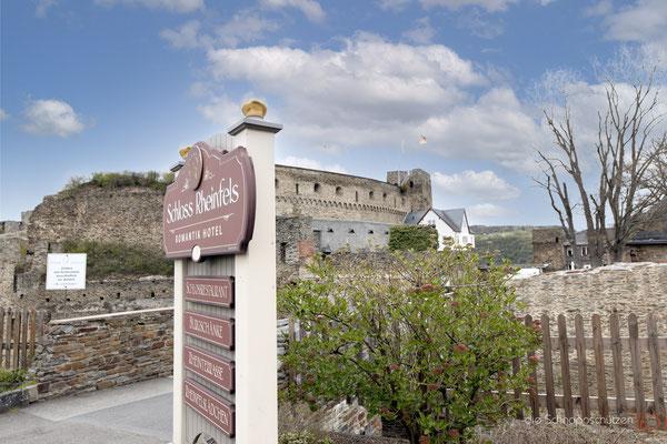 der Beweis: hier könnt Ihr feiern #Schloss Rheinfels #Sankt Goar #Loreley #Weinberge #oberes Mittelrheintal #Unesco Welterbe #Rhein #heiratenindeutschland #hochzeitslocations | (c) die Schnappschützen