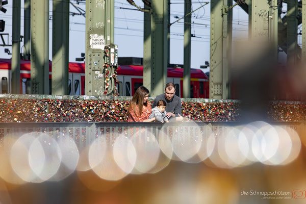 #familienshooting köln #hohenzollernbrücke #fotografköln #kölnfotos #tschüss köln #familienshootingkoeln #schnappschützen | (c) die Schnappschützen