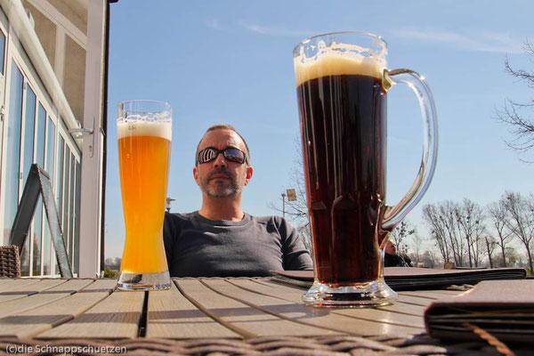 Elberadweg Elster - Sonnebad auf der Terasse des Hotel Elbromantik | Reiseblog by (c) die Schnappschützen wo findet man das beste Bier? Hier! Egal welches...