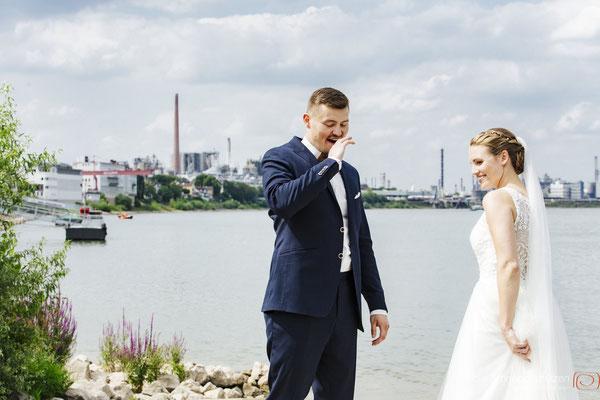 #hochzeitsfotografköln #fotografköln #hochzeitsfotografie #hochzeitsreportage #rheinbogen #heirateninwesseling | (c) die Schnappschützen