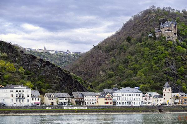 Blick von Sankt Goar #Burg Katz #Sankt Goarshausen #oberes Mittelrheintal #Hochzeitslocations #HeiratenaufderBurg #Unesco Welterbe #Rhein #heiratenindeutschland #hochzeitslocations  | (c) die Schnappschützen