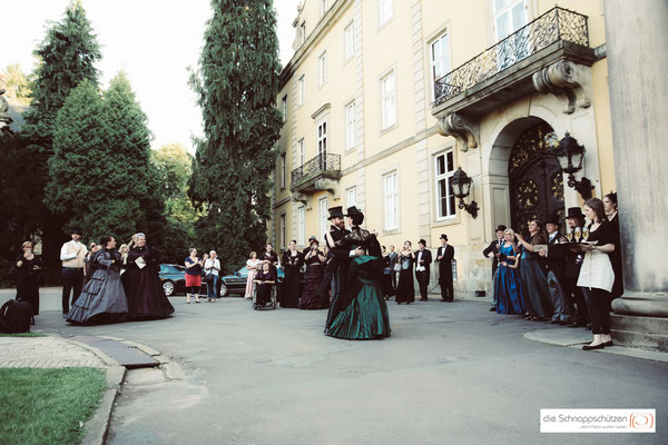 Preußen-Hochzeit auf Schloss #Bückeburg | (c) die Schnappschützen | www.schnappschuetzen.de