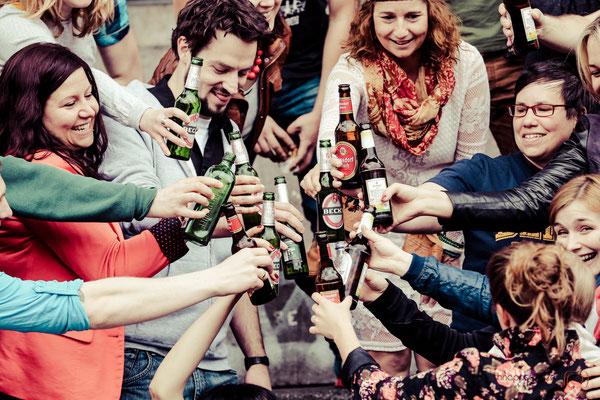 wildes Freunde-Shooting am Wilhelmplatz in Köln | (c) die Schnappschützen