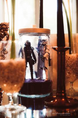 die #Tischdeko ist speziell, man findet überall Figuren aus Filmen | (c) die Schnappschützen | www.schnappschuetzen.de