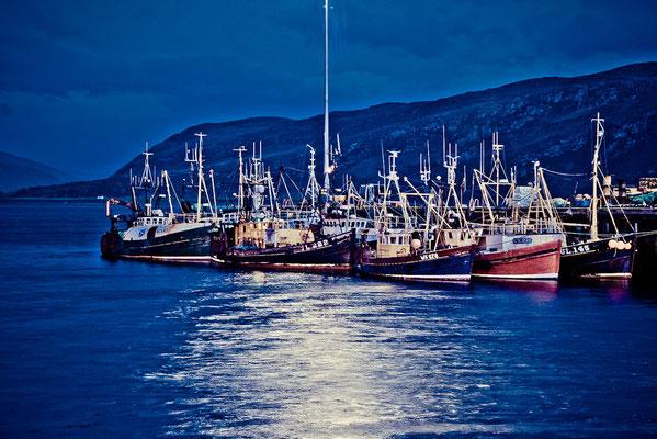 #Schottland - Hafen in #Ullapool bei Nacht