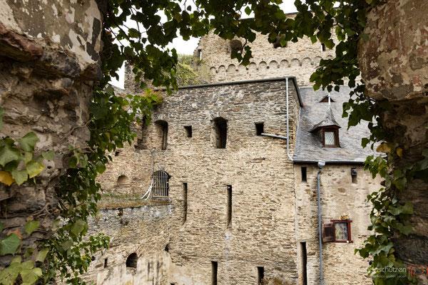 Seitengebäude der Burg Rheinfels #Burg Rheinfels #Sankt Goar #Loreley #Weinberge #oberes Mittelrheintal #Unesco Welterbe #Rhein #heiratenindeutschland #hochzeitslocations | (c) die Schnappschützen