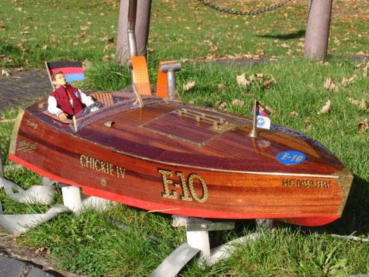 "Rennboot ""CHICKIE IV"" Eigner: Jörg Strenge"