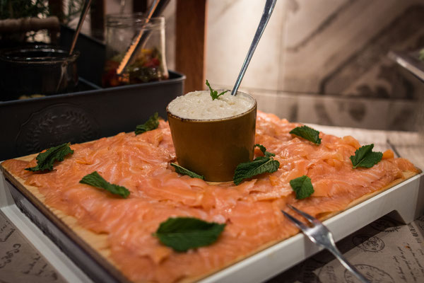 Cafe Leonardo© - Skandinavischer Lachs mit Meerrettich, Aufläufe & Überbackenes