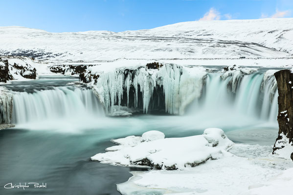 Photo 25 - Godafoss dans son écrin blanc