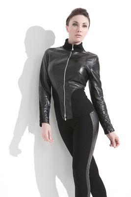 Model: Frieda Neb, Photographer: Sascha Hüttenhain