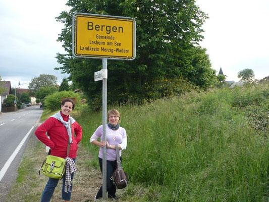 Willkommen in Bergen... (noch vor der Baumpflanzung)