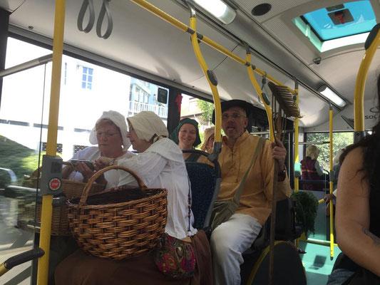 Mit dem Bus geht es dann nach Bornheim