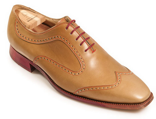 Semibrogue Oxford mit Lyralochung in Boxcalf Natur