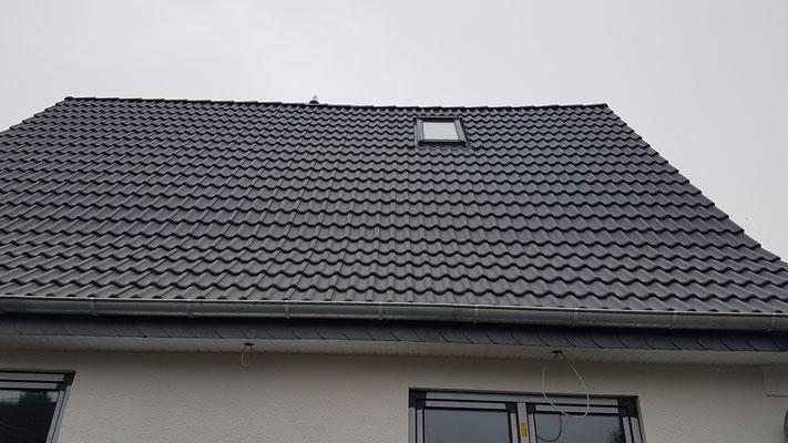 Dacheindeckung mit Braas Harzer Pfanne