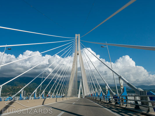 Crossing the bridge of Rio