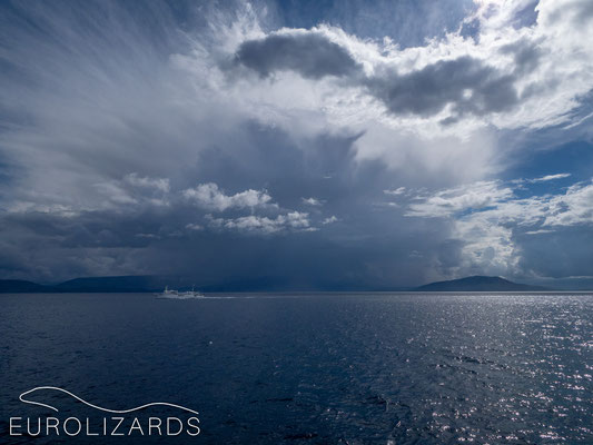 Approaching Igoumenitsa: the thunderstorms get closer