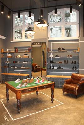 umbau und vintagematerial - converse store berlin
