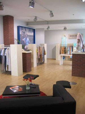 konzeption, materialorganisation und umbau - dockers showroom