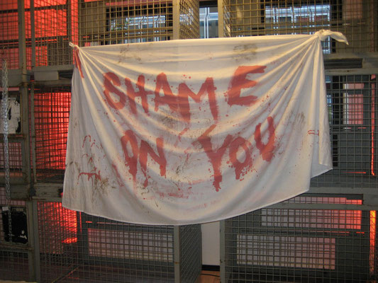 "levis vernissage ""shame on you"""