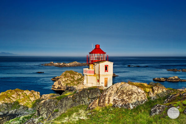 "Bild: Litloy Leuchtturm, Norwegen Nordland, ""little island light house - Litloy fyr_V2"", www.2u-pictureword.de"