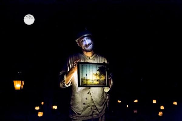 """Bild: Welttheater der Straße Schwerte 2015, Artistengruppe """"Anu"""", """"Lampenträumer in einer anderen Welt"""", www.2u-pictureworld.de"""