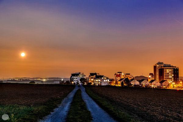 """Bild: Ditzingen-Hirschlanden, """"Mondsiedlung"""", www.2u-pictureworld.de"""