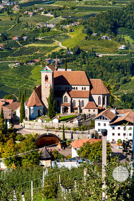 """Bild: Kirche von Schenna in Suedtirol, """"Schennakirche"""", www.2u-pictureworld.de"""