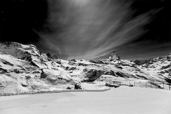 """Bild: Nacht auf dem Gornegrat bei Vollmomd, """"Zauberwelt 2"""""""