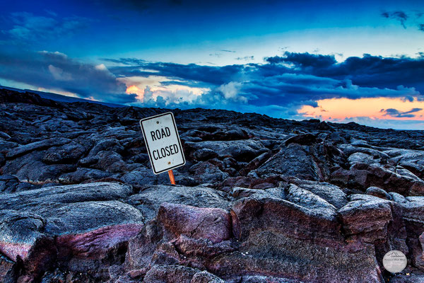 "Bild: lavafeld Volcano Nationalpark Hawaii, ""End of the Road""; www.2u-pictureworld.de"