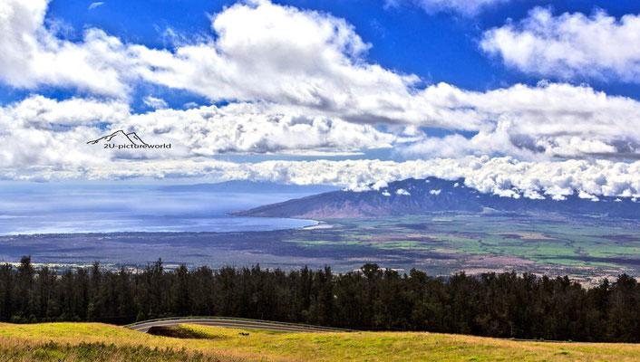 Bild: Wolkenschichtung, Blick vom Haleakala Nationalpark, Maui