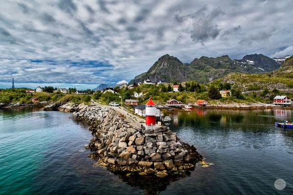 """Bild: Moskenes harbour, Moskenesoya Island, Lofoten, Norway, """"leaving Moskenes""""; www.2u-pictureworld.de"""