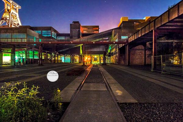 """Bild: Zeche Zollverein, """"geisterhafte Zechenwelt"""