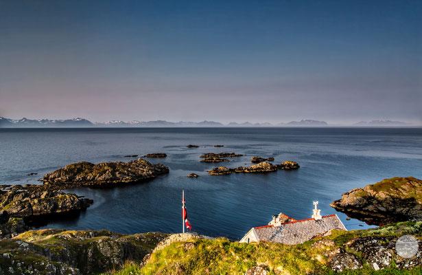 """Bild: Litloy, Nordland Nordmeer, Norwegen, """"einsamen wohnen2"""", www.2u-pictureworld.de"""