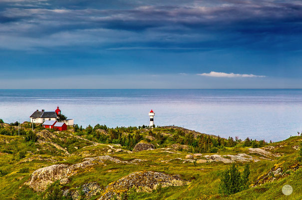 "Bild: lighthouse Sorvagen, Moskenesoya island Norway, ""when time stands still"", www.2u-pictureworld,de"