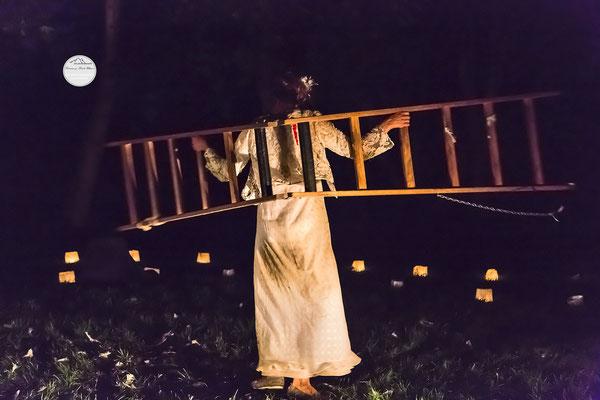 """Bild: Welttheater der Straße Schwerte 2015, Artistengruppe """"Anu"""", """"Abflug in die Nacht"""", www.2u-pictureworld.de"""