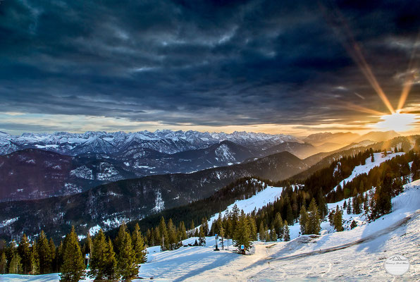 "Bild: Brauneck ski area in the evening, Lenggries, Bavaria Germany, ""last rays of sun""; www.2u-pictureworld.de"