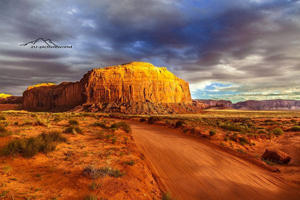"""Bild: """"majestätisch im Abendlicht"""", Monument Valley"""