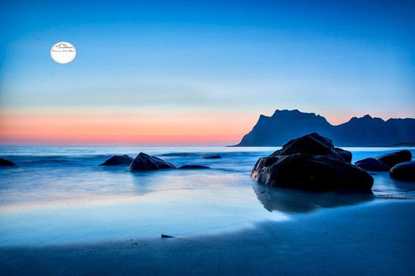 """Bild: Utakleiv Lofoten Norwegen, """"tranquille"""", www.2u-pictureworld.de"""
