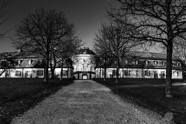 "Bild: Schloss Solitude Stuttgart, ""Solitude sw_V4""; www.2u-pictureworld.de"