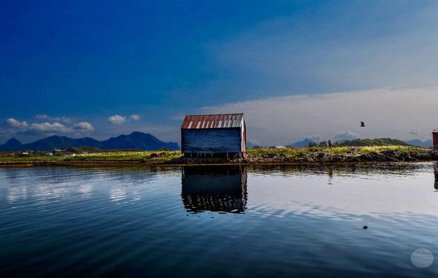"Bild: Sortland, Steine, Vesteralen, ""illuminated cabin(V4)."", www.2u-pictureworld.de"