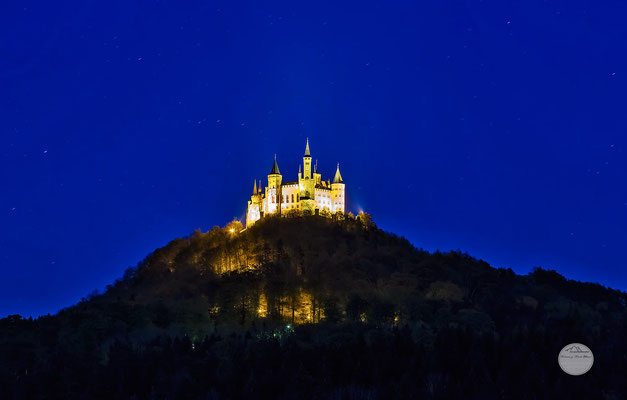 "Bild: castle Hohenzollern at night, Germany, ""blue hour castle light""; www.2u-pictureworld.de"