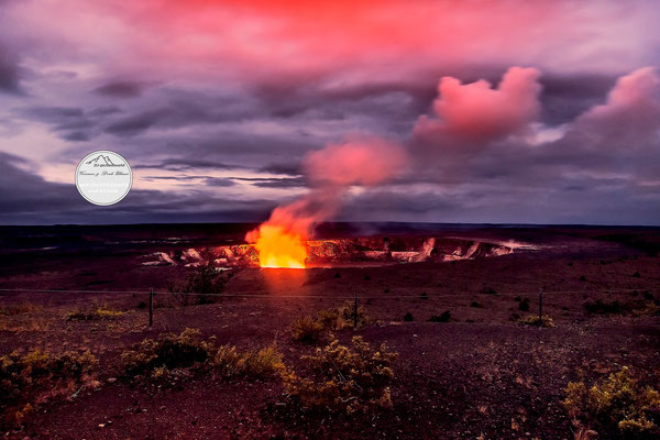 "Bild: Kilaua Caldera at night, Hawaii, ""nightly shine of Kilaua caldera"", www.2u-pictureworld.de"