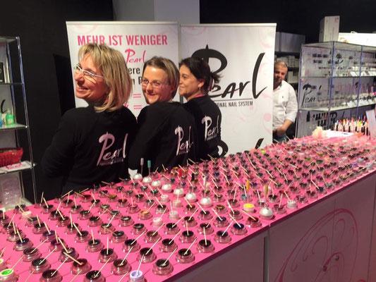 Pearl Team Schweiz am Beauty Forum Zürich mit Pearl Gel Farben