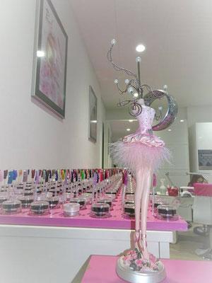 für jeden Anlass und Geschmack das passende Pearl Farbgel im Pearl Nails and More Nagelstudio Burgdorf