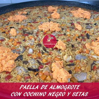 PAELLA DE ALMOGROTE CON COCHINO NEGRO Y SETAS