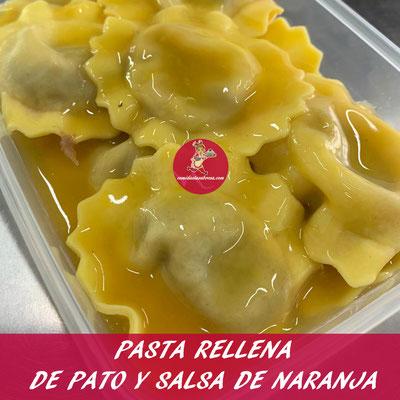 PASTA RELLENA DE PATO Y SALSA DE NARANJA