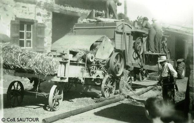 Batteuse à La Boucolle (commune de St-Paul) - années 1950 (c) Coll. SAUTOUR