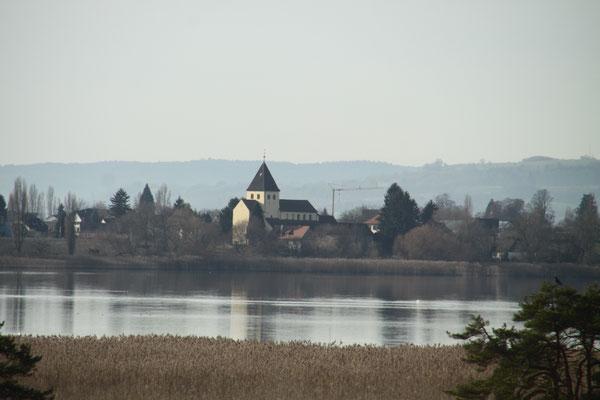 世界遺産の島 ライヒェナウ島 聖ゲオルク教会 ボーデン湖
