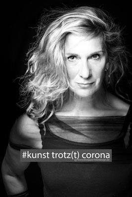 Petra Henniger-von-Wallersbrunn, stageperform