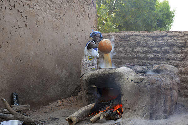 Fabrication du dolo (bière de mil)